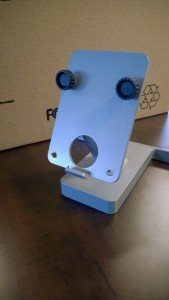 A monitor stand looking surprised